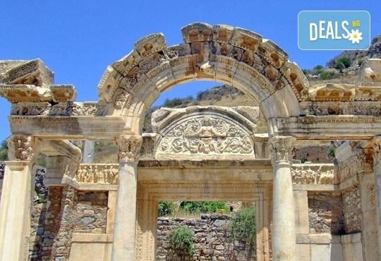 Екскурзия до Егейска Турция - по следите на древните цивилизации с Караджъ Турс! 4 нощувки със закуски и вечери в хотели 3*, транспорт и програма - Снимка 5