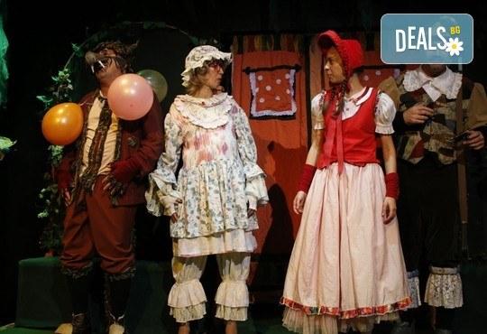 Театър за деца! Заповядайте на Червената шапчица в театър ''Възраждане на 11.02. от 11ч. или от 12.30ч, с билет за един! - Снимка 7