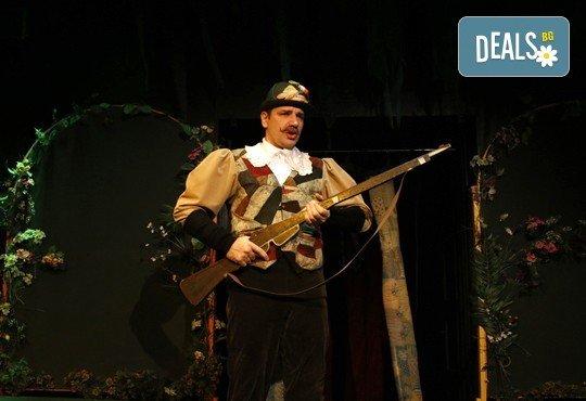 Театър за деца! Заповядайте на Червената шапчица в театър ''Възраждане на 11.02. от 11ч. или от 12.30ч, с билет за един! - Снимка 6