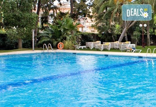 На море в Испания в период по избор, с Darlin Travel! 8 дни, 7 нощувки в Intur Oringe 4*, пълен пансион, самолетен билет, летищни такси и трансфери - Снимка 12