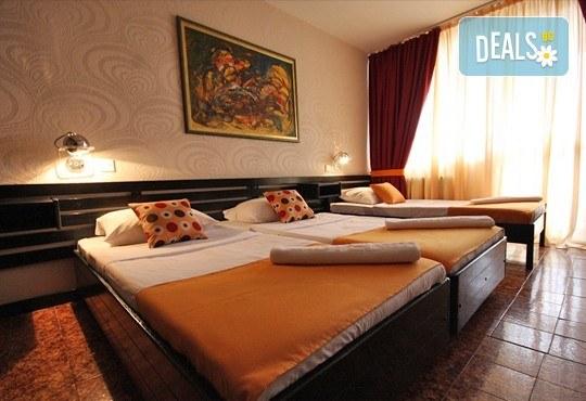 Великден в Черна гора и Дубровник с Darlin Travel! 3 нощувки със закуски и вечери в хотел Корали 2* в Сутоморе, 1 ден в Дубровник, транспорт - Снимка 8