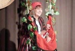 Гледайте авторския спектакъл Каква ни е люлка люляла, каква ни е рода чутовна на 23.02. от 19ч, Театър Сълза и Смях, камерна сцена - Снимка