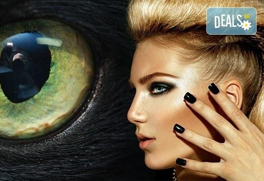 Бъдете в центъра на вниманието! Маникюр с магнитен гел лак или тип котешко око от студио за красота Фантастико - Снимка 1