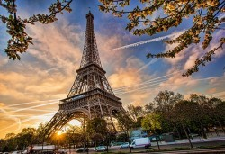Романтичен уикенд в Париж, Франция: 3 нощувки, закуски, самолетен билет