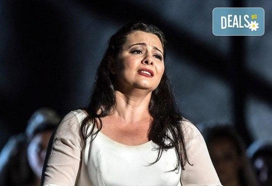 """Ексклузивно в Кино Арена! """"Трубадур"""" от Джузепе Верди, постановка на Давид Бьош на сцената на Кралската опера, на 1, 4 и 5 март в страната! - Снимка 3"""