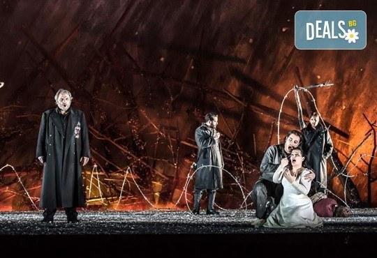 """Ексклузивно в Кино Арена! """"Трубадур"""" от Джузепе Верди, постановка на Давид Бьош на сцената на Кралската опера, на 1, 4 и 5 март в страната! - Снимка 2"""