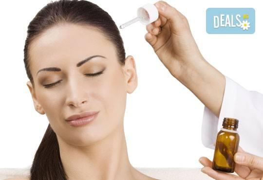 Възстановяваща терапия за изтощенa коса, масажно измиване, фрикция с ампула, маска, подстригване и оформяне със сешоар в студио Чар! - Снимка 1