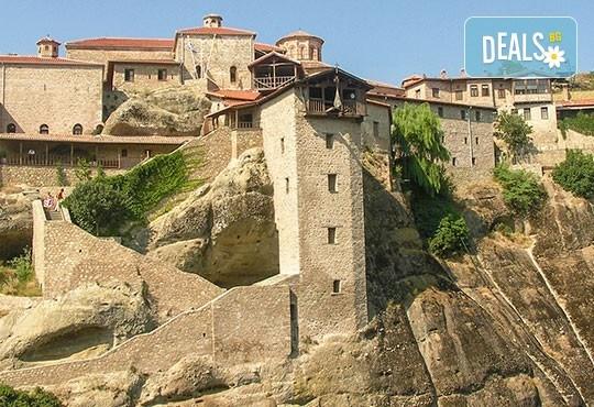Потвърдена екскурзия през март до Солун, Паралия Катерини, Метеора и Едеса! 2 нощувки със закуски, транспорт и богата програма - Снимка 1