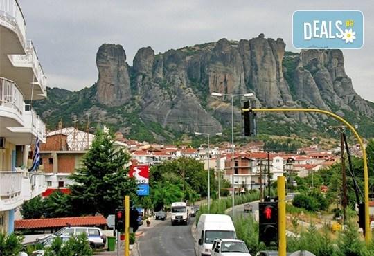 Потвърдена екскурзия през март до Солун, Паралия Катерини, Метеора и Едеса! 2 нощувки със закуски, транспорт и богата програма - Снимка 8