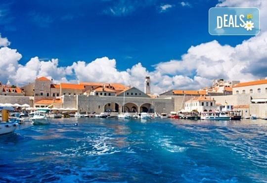 Будва и Дубровник през март/април: 3 нощувки, закуски и вечери, транспорт и водач