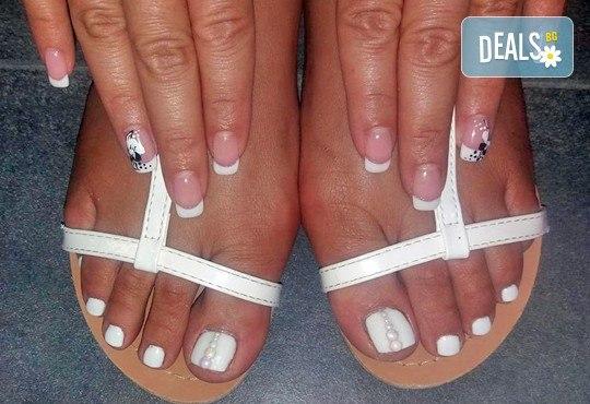 Поглезете се и изглеждайте безупречно с дълготраен педикюр с гел лак BlueSky или Clarisa в салон Beautiful Nails - Снимка 3