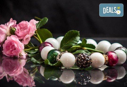 Подарък за любимата! Ръчно изработени гривни от естествени камъни и бонус: специална подаръчна кутийка от TSVjewelry - Снимка 2