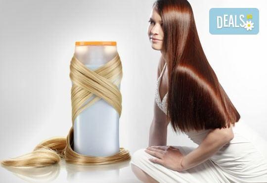 Подстригване, терапия за коса с кератин за възстановяване и блясък с професионални италиански продукти Selective Professional и прическа в Studio One - Снимка 2