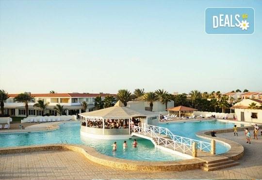 Екзотична почивка в Кабо Верде на о. Сал: 7 нощувки, All Inclusive в Crioula Club Hotel Resort 4*, директен полет Бергамо/Милано-Сал- Бергамо/Милано и трансфери! - Снимка 2