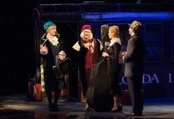"""Една от най-страхотните комедии! На 17.03. от 19.00 ч. в Младежки театър - """"Някои го предпочитат..."""" , билет за един - Снимка"""