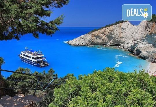 Великден на приказно красивия остров Лефкада! Транспорт, 3 нощувки със закуски и 2 вечери, празничен обяд и посещение на Верия - Снимка 1