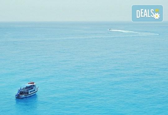 Великден на приказно красивия остров Лефкада! Транспорт, 3 нощувки със закуски и 2 вечери, празничен обяд и посещение на Верия - Снимка 3