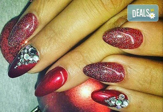 Комбинирана грижа за Вашата коса и ръце! Класически или френски маникюр с лакове OPI или гел лак Gelish и прическа със сешоар в Beauty Studio Flash G! - Снимка 3