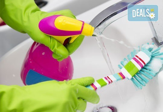 Почистване на прозорци и дограми, почистване на баня или тоалетна и кухненски бокс от Професионално почистване Рего! - Снимка 2