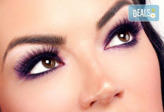 Очаровайте с красиви дълги мигли! Поставяне на мигли от коприна по метода косъм по косъм в Beauty Studio Flash G! - Снимка 1