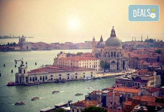 Петдневна екскурзия до Италия с посещение на Венеция, о. Мурано, о. Бурано, Сирмионе и Верона! 3 нощувки със закуски, транспорт и водач от Еко Тур! - Снимка 3
