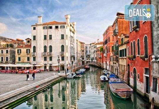 Петдневна екскурзия до Италия с посещение на Венеция, о. Мурано, о. Бурано, Сирмионе и Верона! 3 нощувки със закуски, транспорт и водач от Еко Тур! - Снимка 4