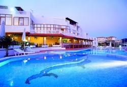 Мини почивка в Уранополи, Халкидики през май! 3 нощувки със закуски и вечери в хотел Akti Ouranoupoli Beach Resort 4* и транспорт - Снимка