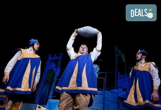 На театър с децата! Спящата красавица в Младежки театър на 06.04. от 11 ч, 1 билет - Снимка 6