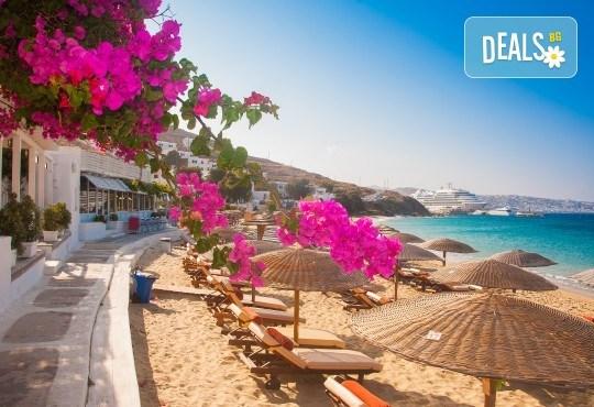 Посрещнете Майските празници с екскурзия в Гърция! 2 нощувки със закуски в Паралия Катерини, транспорт, обиколка на Солун и възможност за посещение на Метеора! - Снимка 1