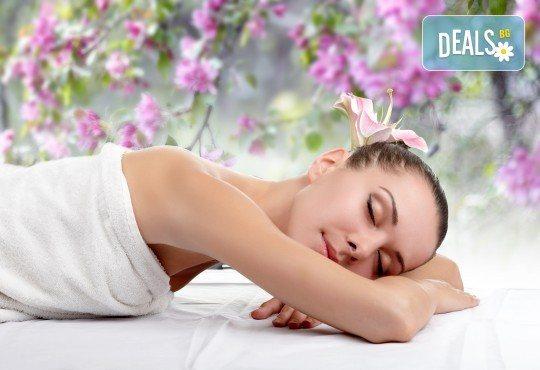 Релакс, тонус или антистрес с ароматерапевтичен масаж на цяло тяло, рефлексотерапия на ходила, ръце, глава и лице от салон Цветна светлина - Снимка 2