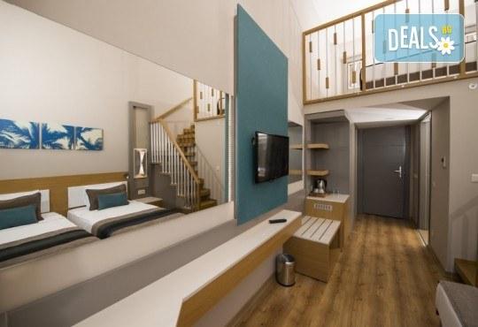 Почивка в Анталия през април или май! 7 нощувки на база All Incl в Palm World Side Resort & SPA 5*, билет, летищни такси и трансфери! - Снимка 5