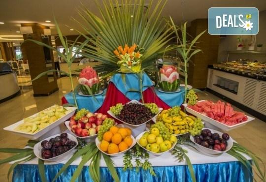 Почивка в Анталия през април или май! 7 нощувки на база All Incl в Palm World Side Resort & SPA 5*, билет, летищни такси и трансфери! - Снимка 9