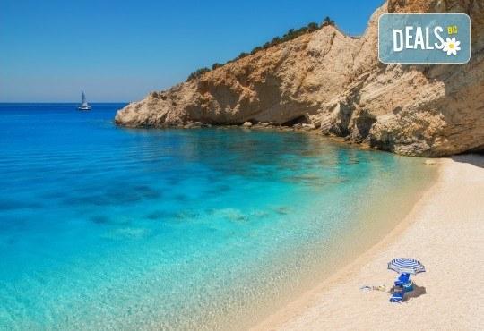Почивка на о. Лефкада - изумрудения остров на Гърция! 3 нощувки със закуски в Авра Бийч 3*, Нидри, транспорт и екскурзовод от Дрийм Тур! - Снимка 1