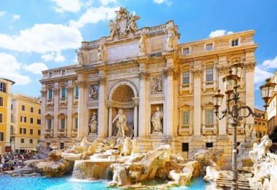 Майски празници в Рим, с Караджъ Турс! 3 нощувки със закуски в хотел 3*, обслужване на български език, билет с летищни такси, трансфери - Снимка