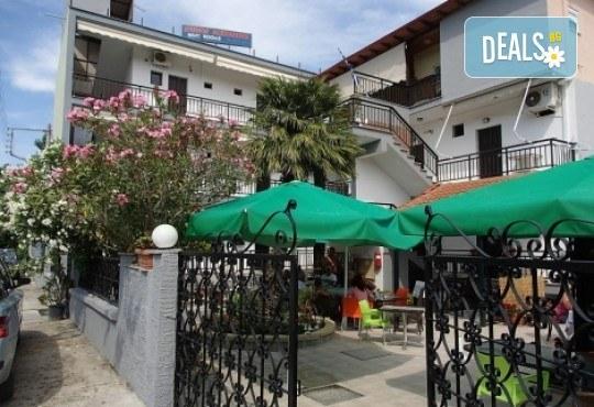 Почивка в Аспровалта, Гърция през април! 4 нощувки със закуски и вечери в хотел Alexander Studios, възможност за транспорт - Снимка 3