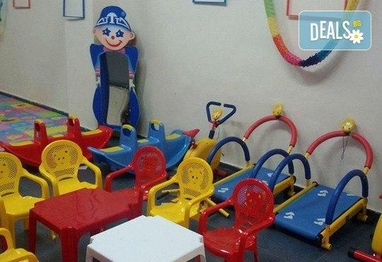 Детски рожден ден за 10 деца! 2 часа лудо парти с украса, парче пица, детски фитнес уреди, музика, възможност за аниматор Елза в Зали под наем Update - Снимка 6