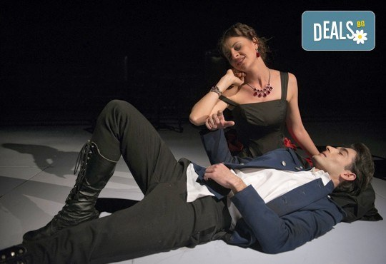 Награда Икар2017 за режисура и музика! Гледайте Анна Каренина от Л.Н.Толстой на 12.04. от 19ч. в Театър София, билет за един! - Снимка 1