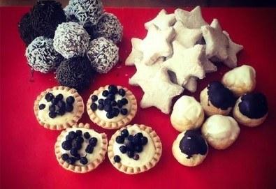 Сладки на килограм! Бутикови сладки фантазии, един или два килограма от майстор-сладкарите на Muffin House! - Снимка