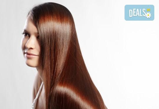 Възстановяваща кератинова терапия за коса с инфраред преса, масажно измиване и прав сешоар в салон Diva! - Снимка 1