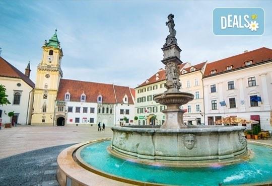 Екскурзия в сърцето на Европа на дата по избор! 3 нощувки със закуски, транспорт и посещение на Прага, Братислава, Виена и Будапеща! - Снимка 5