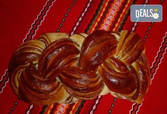 Козунак за Великден в 6 пакета със стафиди, локум, плодове, шоколад, декорация и мармалад от Работилница за кусотии Рави! - Снимка 2