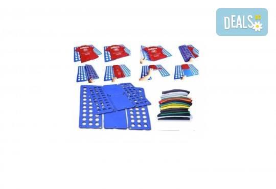 Изрядно подреден гардероб с универсално приспособление за сгъване на дрехи FLIPFOLD от Нет Стор! - Снимка 2