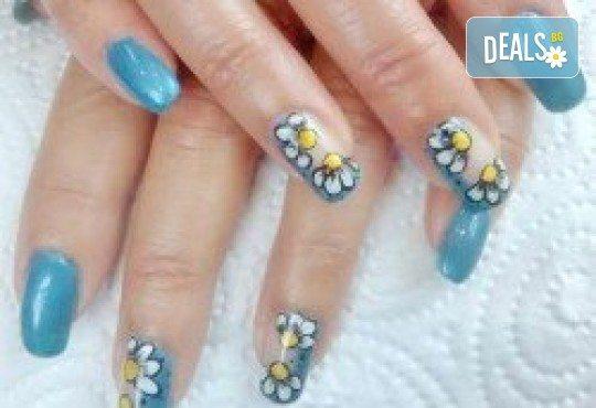 Красиви ръце! Маникюр с гел лак BlueSky или Cuccio и 10 рисувани декорации на супер цена в Салон за красота Angels of Beauty! - Снимка 2