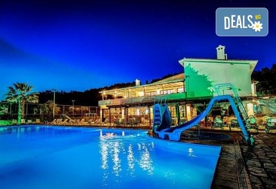 Почивка на Халкидики в края на май! 3 нощувки на база All Inclusive в хотел Bellagio 3*, транспорт и посещение на Солун, от Арена Холидейз! - Снимка 6