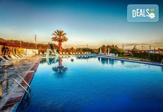 Почивка на Халкидики в края на май! 3 нощувки на база All Inclusive в хотел Bellagio 3*, транспорт и посещение на Солун, от Арена Холидейз! - Снимка 7