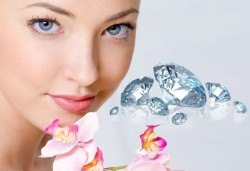 Грижа за лицето! Почистване с ултразвукова шпатула и криотерапия, или диамантено микродермабразио и мезотерапия с хиалурон в Салон за красота ТИ - Снимка