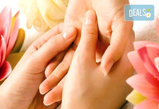 Релаксиращ антистрес масаж 70 минути с шоколад, макадамия или лавандула и зонотерапия на ръце и длани в Chocolate studio! - Снимка 2