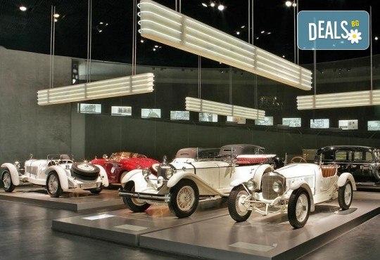 В света на автомобилите с Дари Травел! 3 нощувки и закуски в хотели 2/3* в Германия и Италия, транспорт и посещение на музеите на BMW, Mercedes, Porsche - Снимка 5