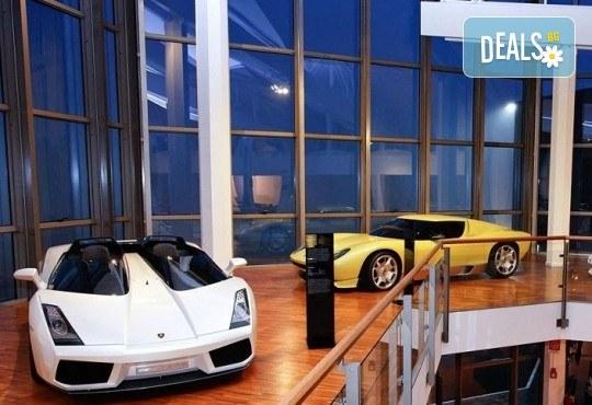 В света на автомобилите с Дари Травел! 3 нощувки и закуски в хотели 2/3* в Германия и Италия, транспорт и посещение на музеите на BMW, Mercedes, Porsche - Снимка 6