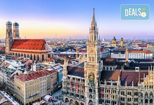 В света на автомобилите с Дари Травел! 3 нощувки и закуски в хотели 2/3* в Германия и Италия, транспорт и посещение на музеите на BMW, Mercedes, Porsche - Снимка 10